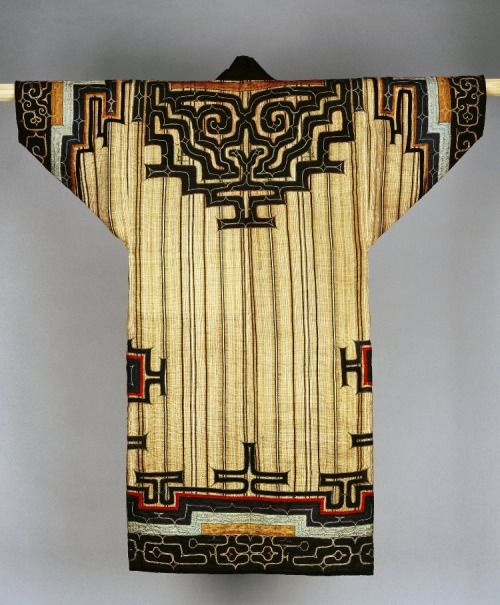 Ainu robe, late 19th century, northern Japan (Hokkaido). Silk embroidery on cloth made from bark. British Museum (acquired in 1885; donated by Dr John Anderson)