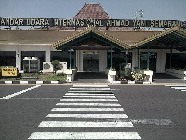 Ahmad Yani International Airport (SRG)