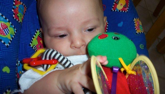 54 best developmental checklists images on pinterest for Newborn fine motor skills