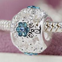 Nueva Astilla Plateó el Encanto Del Grano Hueco Flor Blanca Con Azul Cuentas de cristal Mujeres Fit Pandora Pulsera y Brazalete de la Joyería de DIY YW30013(China (Mainland))