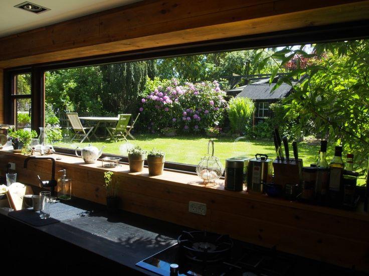 Ida's garden/interior/living shop. She wants to make YOU happy. Online articles plus e-shop/popup-shop.