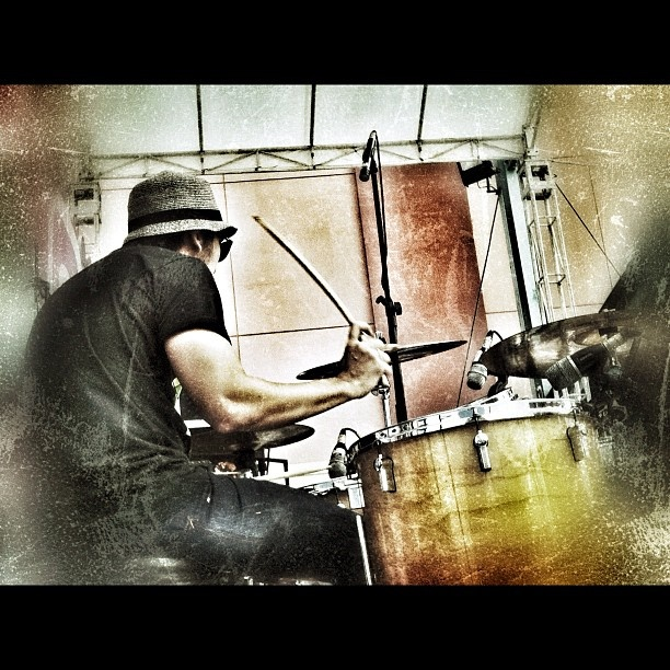Me and drum #iphonesia #iphone4 #jj #drum #drummer #lyla #show  - @ameclylapitbulldrums- #webstagram