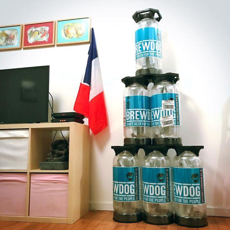 The @brewdogofficial pyramid is finally over!  #brewdog #punkipa #elvisjuice #fut #drum #drums #beer #craftbeer #biere #bartender #decoration