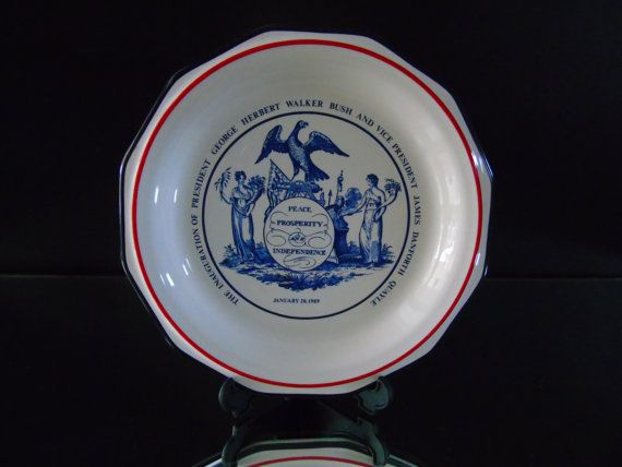 Commemorative Plate Peace, Prosperity and Independence The American Bicentennial 1789 - 1989 Presidential Inauguration George HW Bush & VP James Danforth Dan Quayle January 20 , 1989 Political Americana Plate made by Pfaltzgraff for Mottahedeh 6.75 inches diameter Great condition