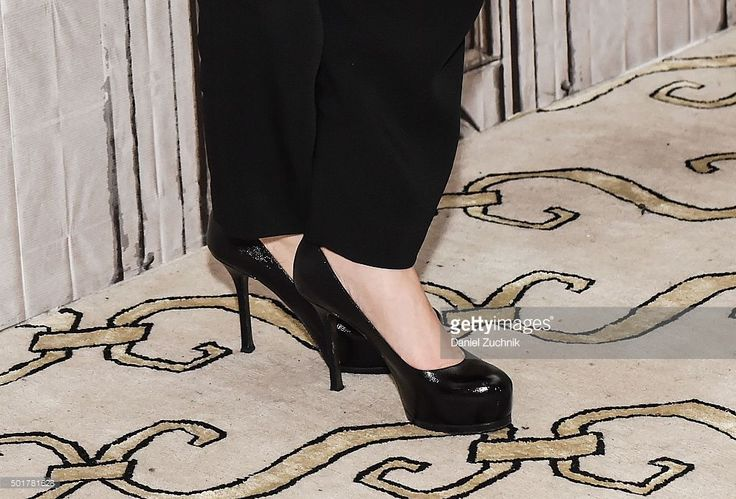 Photo d'actualité : Actress Sarah Michelle Gellar, heels detail,...