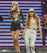 Taylor Swift and Jen Lopez