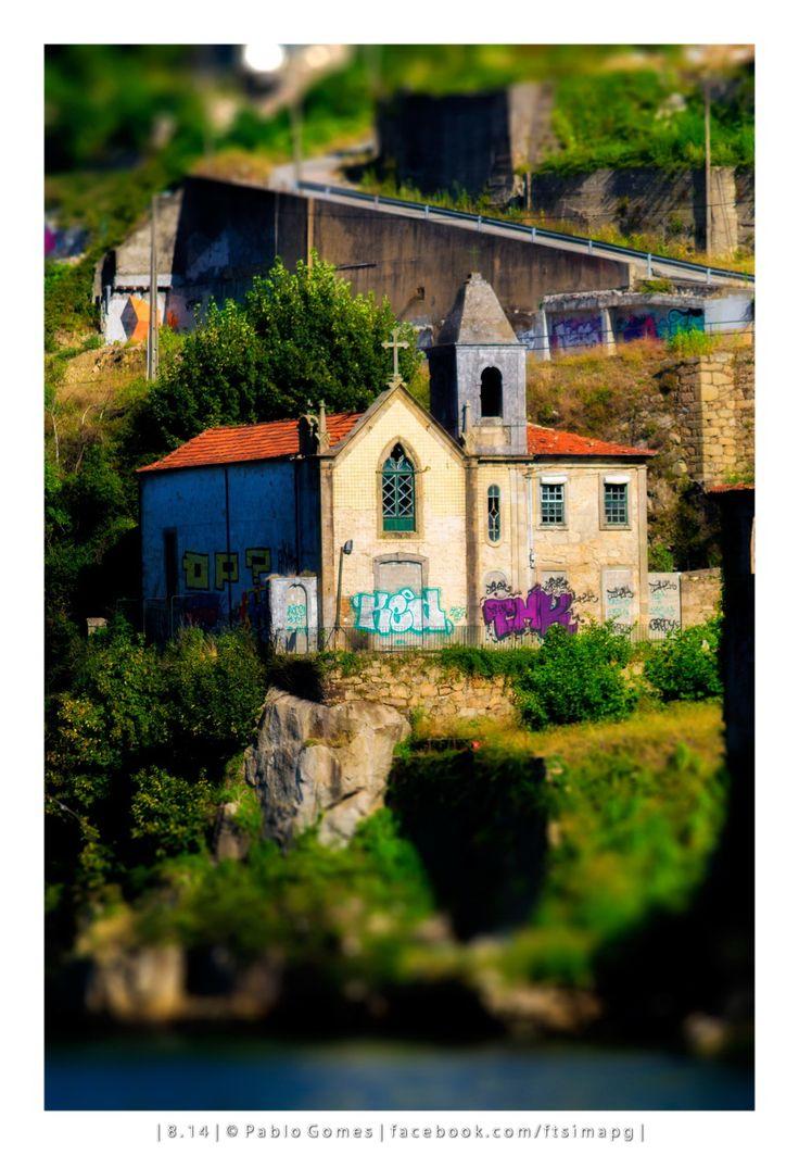 Capela do Senhor d'Além / Capilla de El Senor del Más Allá / Chapel of The Lord of the Beyond [2014 - Gaia / Porto / Oporto - Portugal] #fotografia #fotografias #photography #foto #fotos #photo #photos #local #locais #locals #cidade #cidades #ciudad #ciudades #city #cities #europa #europe #porto #oporto #turismo #tourism #douro #duero #rio #rios #river #rivers #ponte @Visit Portugal @ePortugal @WeBook Porto @OPORTO COOL @Oporto Lobers