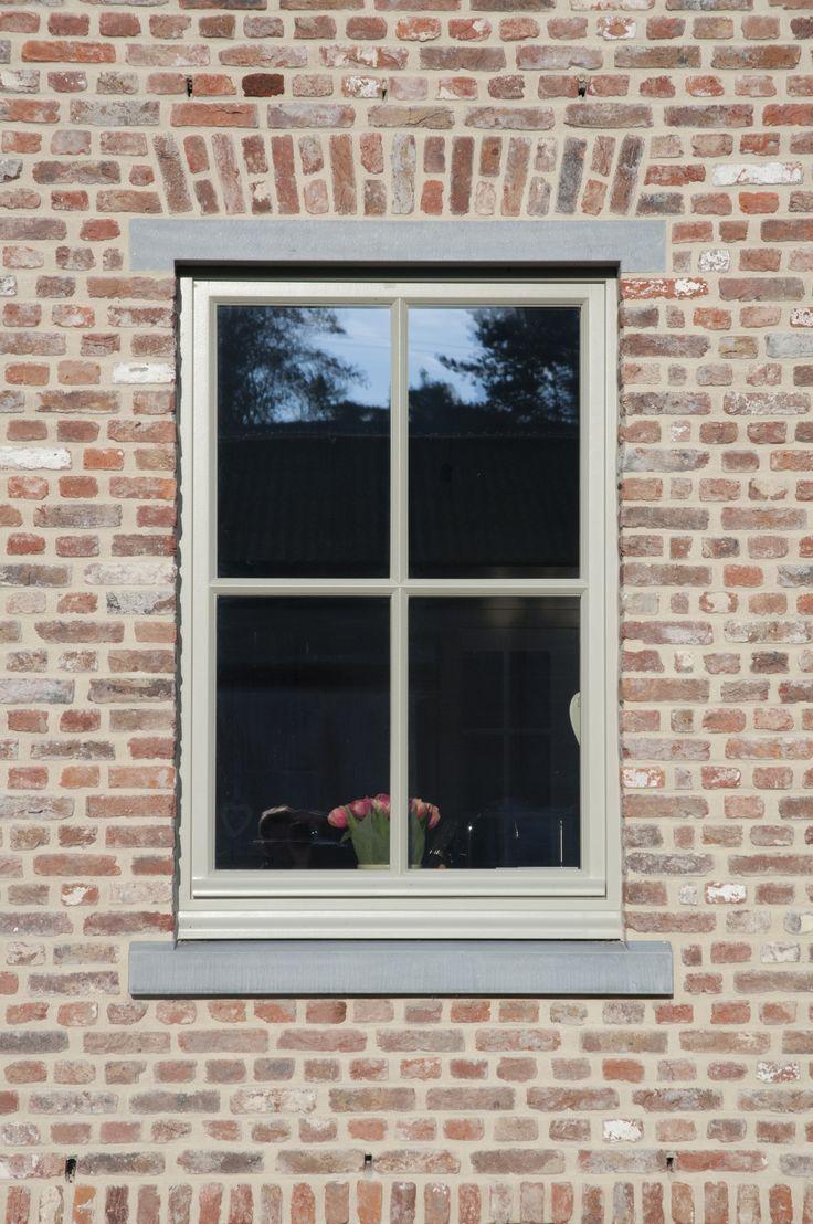 Landelijke stijl Belgische blauwe hardsteen vensterdorpels - Eurosteen Lanaken, Limburg - www.eurosteen.be