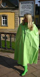 Gummistiefel-Regenstiefel-mit-Absatz-zum-Regencape-Miss-Sixty-extravagant