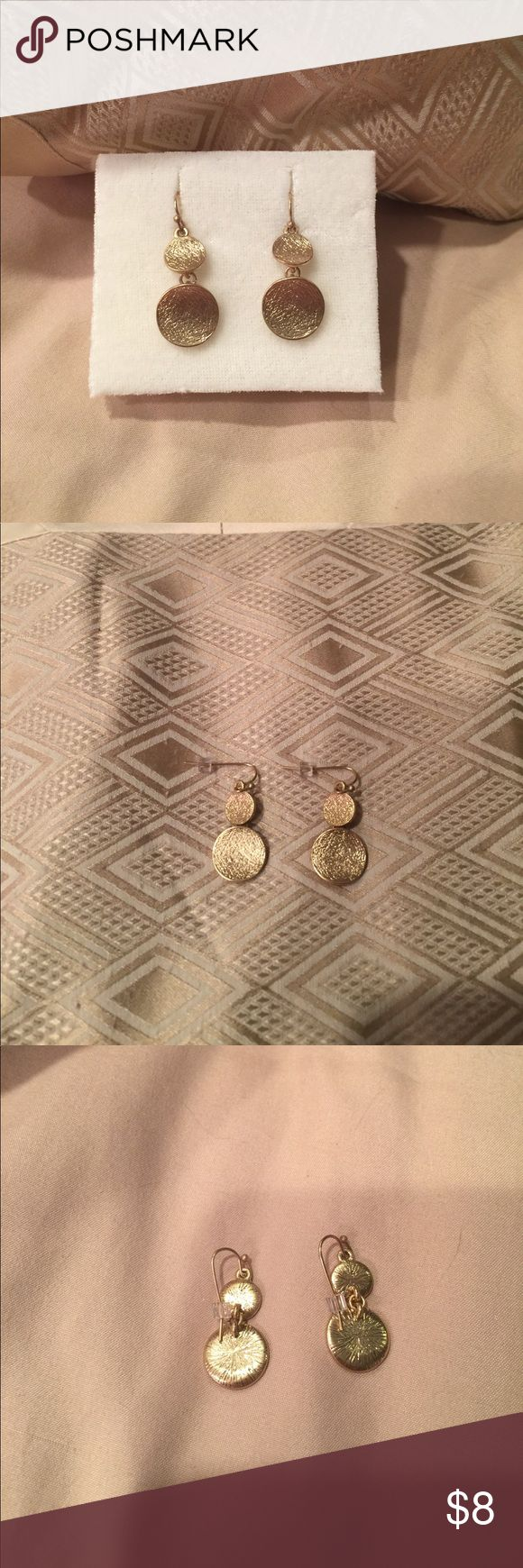 """🆕 Brushed Gold 2 Disc Wire Pierced Earrings 🆕 Brushed Gold 2 Disc Wire Pierced Earrings. Approx 1 1/2"""" dangle earring. Arrives double boxed Please ask questions if needed Alfani Jewelry Earrings"""