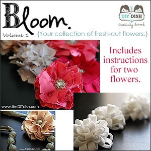 How to make fabric flowersHair Clips, Fabric Flowers, Fabrics Flower, Flower Crafts, Sewing Pattern, Crafts Projects, Crafty Crafts, Crafty Flower, Crafts Diy