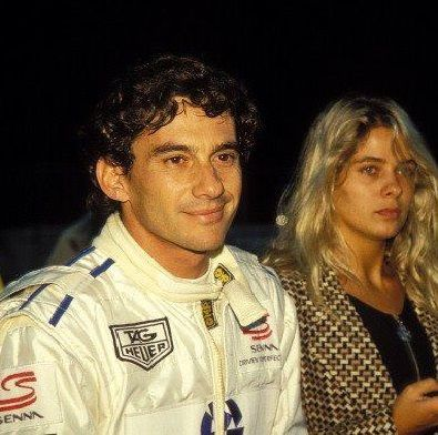 Ayrton Senna e Adriane Galisteu - kart indoor - Bercy, França, dezembro de 1993. -Video: http://www.youtube.com/watch?v=br64HGlqPPI
