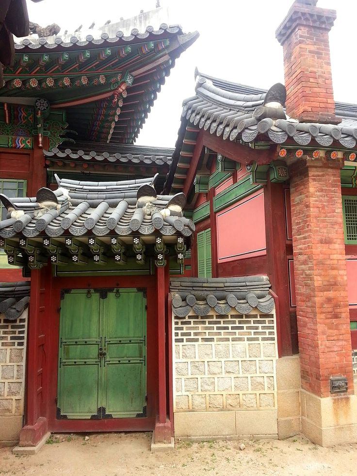 Secret doorways in the Grand Palace in Seoul, Korea