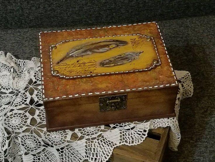 bőrhatás tollakkal / box decoupage feather leather