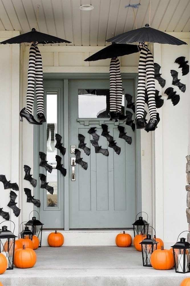 25 Scary Indoor And Outdoor Halloween Decorations That You Can Make Halloween Porch Halloween Porch Decorations Halloween Outdoor Decorations