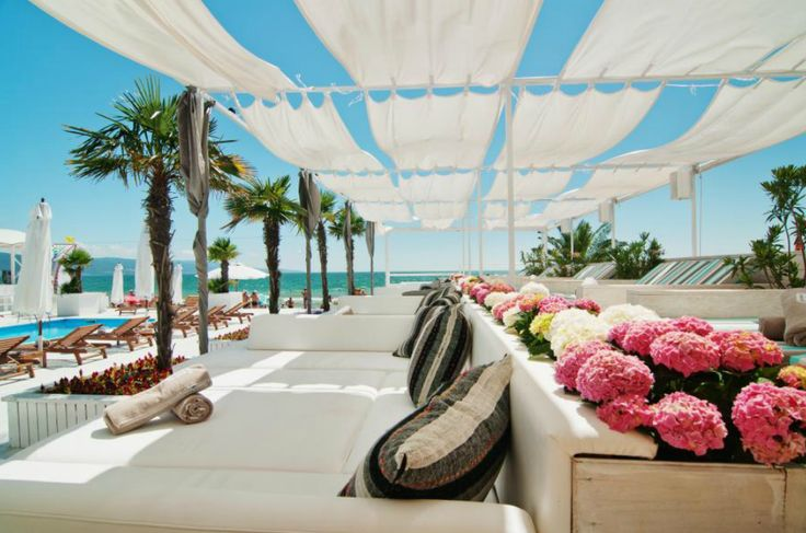 White beach-bar design - Bedroom beach