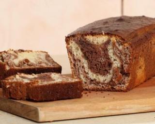 Cake marbré à la crème de chocolat sans beurre ni huile : http://www.fourchette-et-bikini.fr/recettes/recettes-minceur/cake-marbre-la-creme-de-chocolat-sans-beurre-ni-huile.html