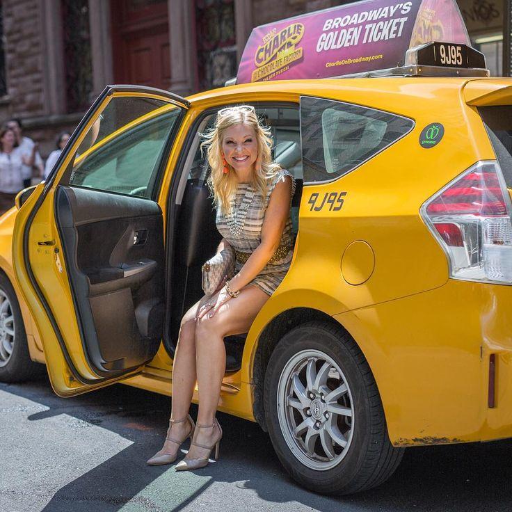 """Anna Kooiman (@annakooiman) on Instagram: """"Check out the latest #newyorkcity #getthelook post up on AnnaKooiman.com  @stylestalker…"""""""