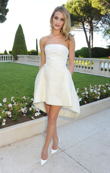Rosie Huntington-Whiteley in Christian Dior = Beautiful!! This would totally make a great little wedding dress