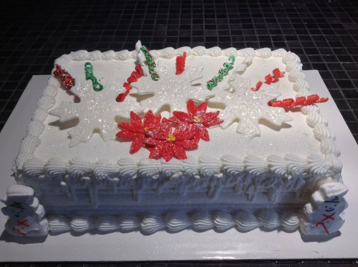 Christmas cake, buttercream frosting with fondant ...