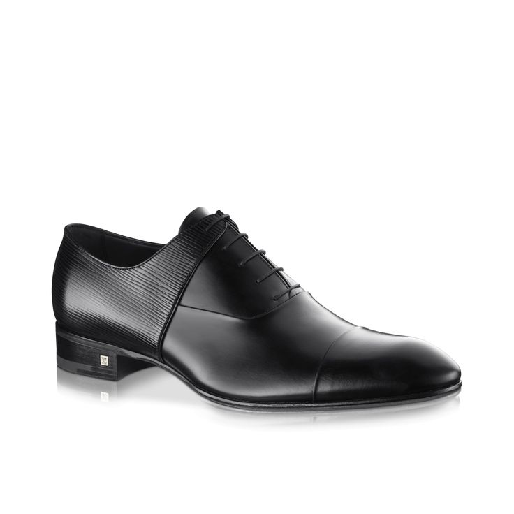 Louis Vuitton Men's Salvador richelieu in Epi calf leather. This elegant richelieu combines our best calf leather with Louis Vuitton's iconic grained Epi leather on the quarters and the back of the shoe. YSRI1XEC