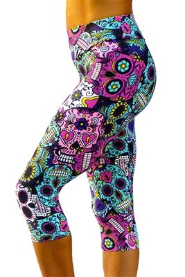 Sugar Skulls  - Printed yoga pants, leggings, tights.  www.kastfitnesswear.com Made in Brazil #kastfitnesswear #yogapants #workout $70.00