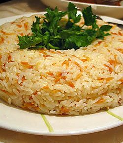 Пилав – это не плов, прошу не путать. Пилав – один из основных гарниров в турецкой кухне, произносится «пиляв». В Турции много блюд и даже десертов, приготавливаемых из риса, и для каждого из них используется свой вид. Для пилава из всех видов риса, ...