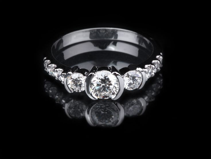 Photography Techniques For Selling Platinum And White Gold Rings Online