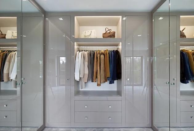 Wardrobe Design With Glass Work Dressing Room Design Room Design Bedroom Design