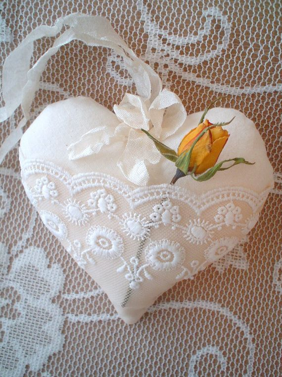 Shabby Chic Fabric Lace Pocket Heart Ornament Stuffed Fabric Lace Christmas Ornament