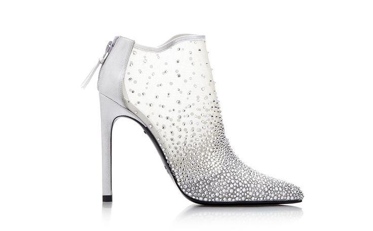 Exclusive: Stuart Weitzman Reveals His Real-Life Cinderella Shoe #refinery29  http://www.refinery29.com/2015/02/82214/stuart-weitzman-cinderella-shoe
