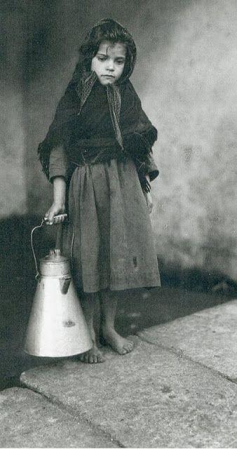 1929. Milchmädchen ohne Rechnung in #Noia. #Galicien