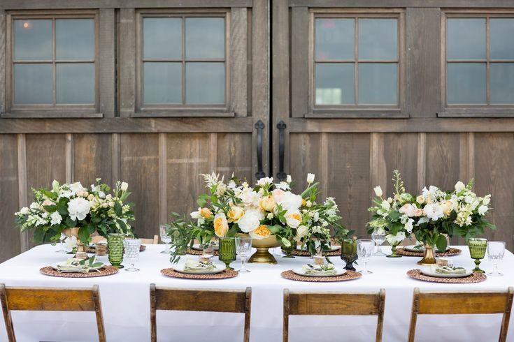 Our Top 25 Ideas For A Gorgeous Head Table