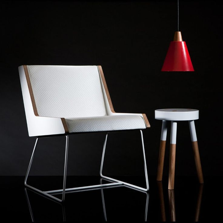 Jet Chair White Embossed Vinyl & Y Side Table & Tri-Ampel Pendant