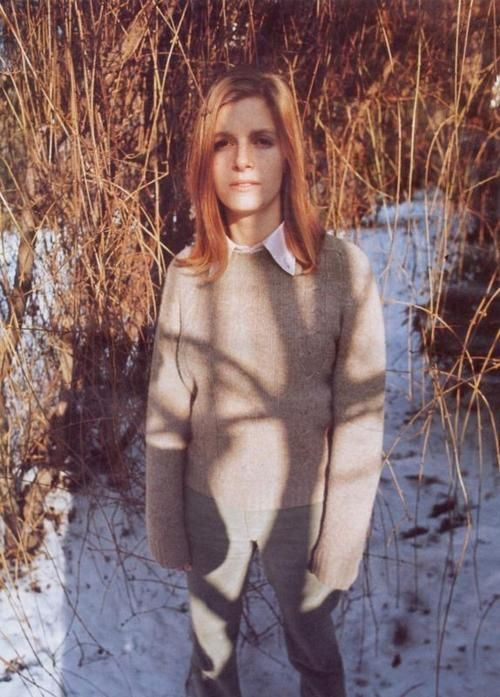 "Linda McCartney This is the epitome of how clothes should feel. She looks so ""cool"" and comfortable in her own skin."