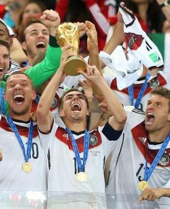 Blog Esportivo do Suíço: Capitão do tetra, Lahm anuncia aposentadoria da seleção alemã