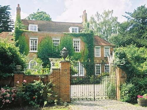 regency-house-chalk-lane-old-epsom-surrey-england-by-roadsofstone