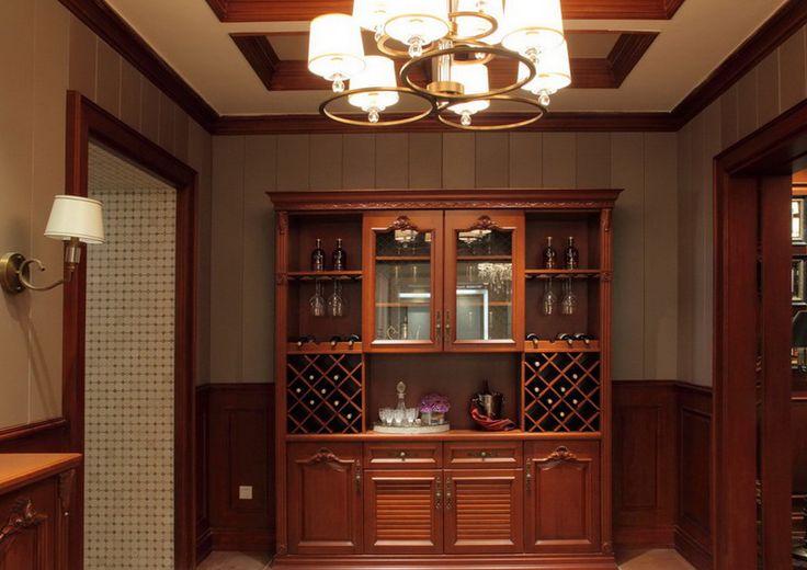 Casabella | Mueble bar en madera de cerezo. Encuéntralo en: Casabella, Calle 109 Nº 14B–16 · Teléfono: +57 1 466 0015 · Bogotá, Colombia