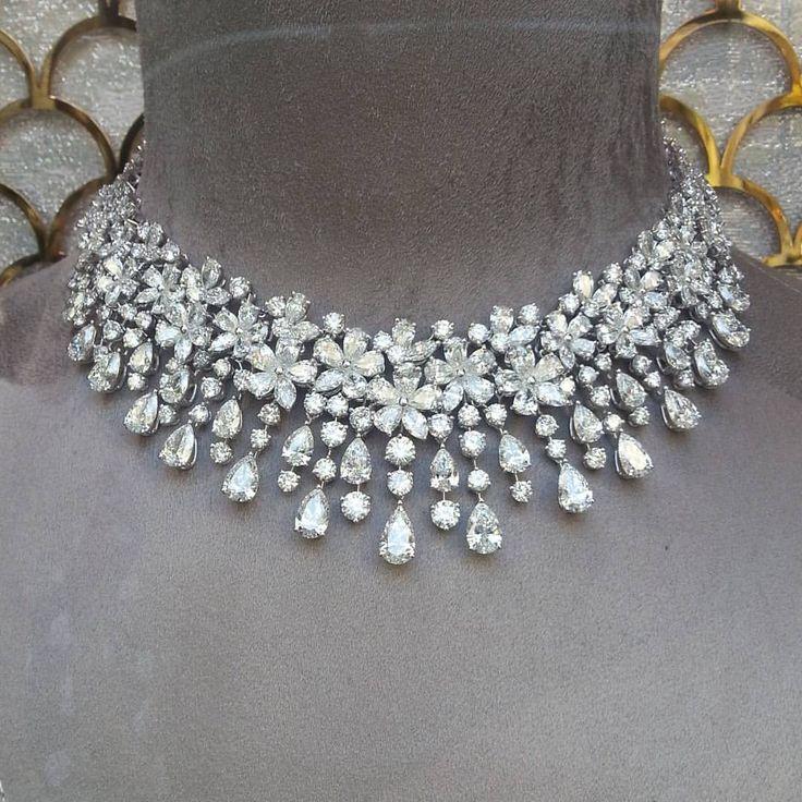 Amazing #graff #diamond #necklace in their #newyor…