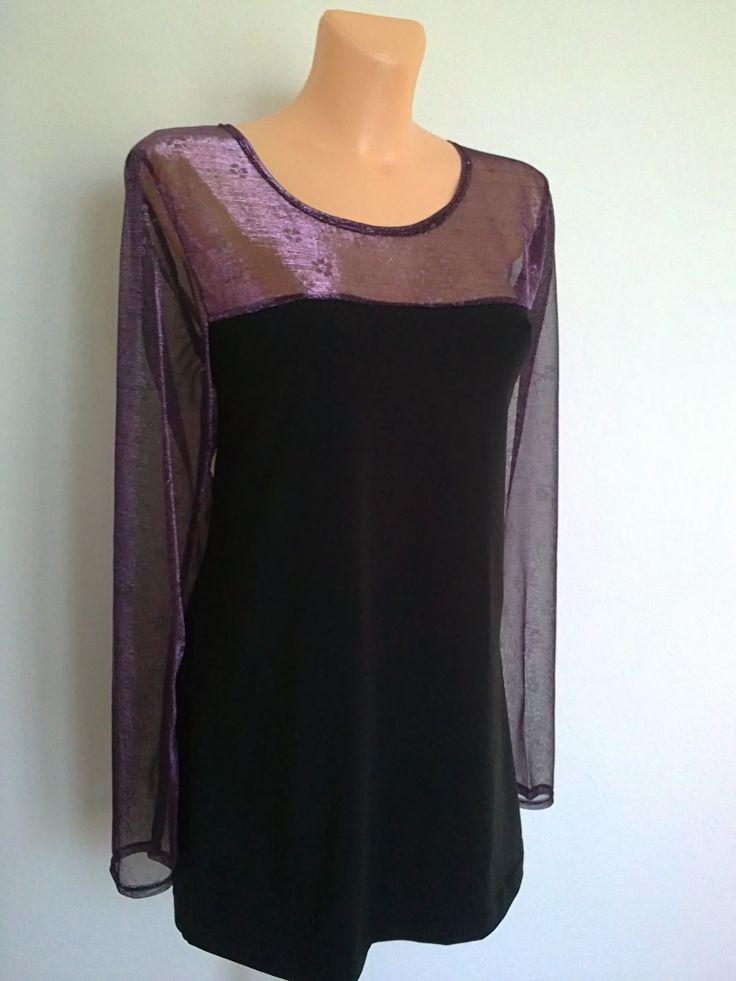 Halenka-s fialovou pavučinkou Halenka,tričko,tunika,mírně projmuté v barvě černé, s fialovými doplňky,vsadkou na obou dílech a průhlednými fialovými rukávy...materiál je elastická BA,fialová pavučinka je jemná pružná organza,s tiskem kytiček....praní na 30st,,,žehlení radši jen u černé BA,organzu-stupeň silon. Prsa-112cm Boky-112cm Dlouhé-77cm Rukáv-67cm Velikost: ...