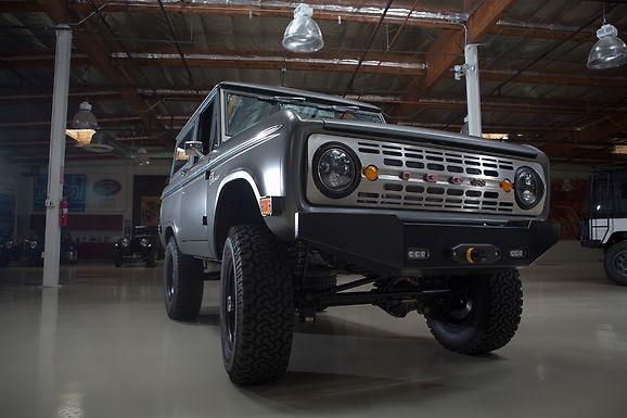 Jay Leno's Garage - 1971 ICON Bronco Restomod - Photo Gallery | Ford