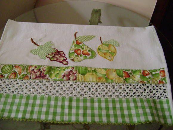 pano de prato em tecido sacaria com aplicação a maquina