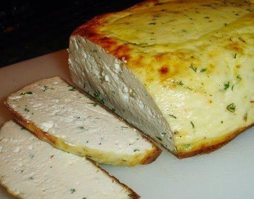 3 л цельного молока 1 л кефира 3 яйца 1 - 2 ч.л. соль 2- 3 ч.л. сахар Добавки ( если делается с зеленью) 2 ст.л. рубленой зелени по вкусу...