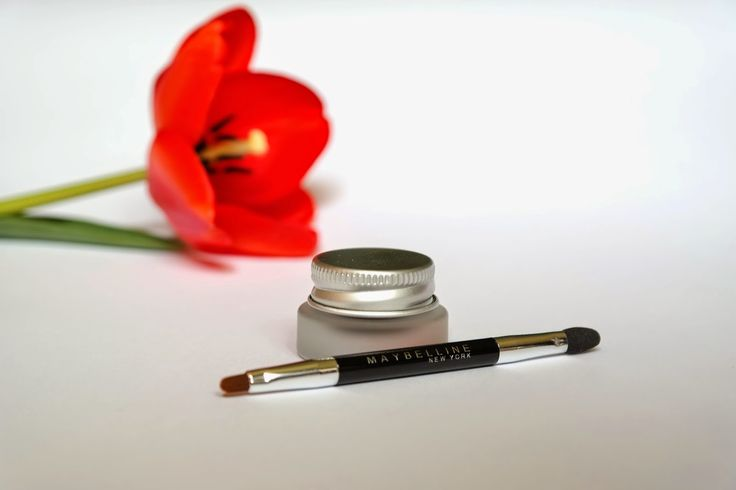 Maybelline gel liner test on http://zoara.blogspot.com