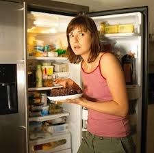 Νυχτερινές επισκέψεις στο ψυγείο...