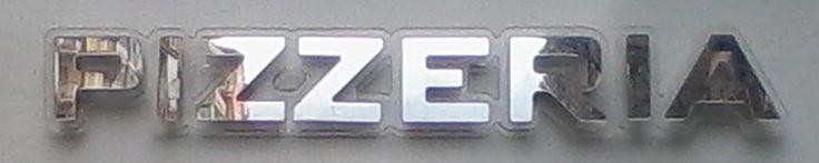 Lettere per Scritte a LED PL8 Fino a un massimo di 10 lettere 105 € Grandezza max 100 cm x 12 cm h Compralo ora: http://scrittealed.com/Scritte%20luminose%20specchio2.html