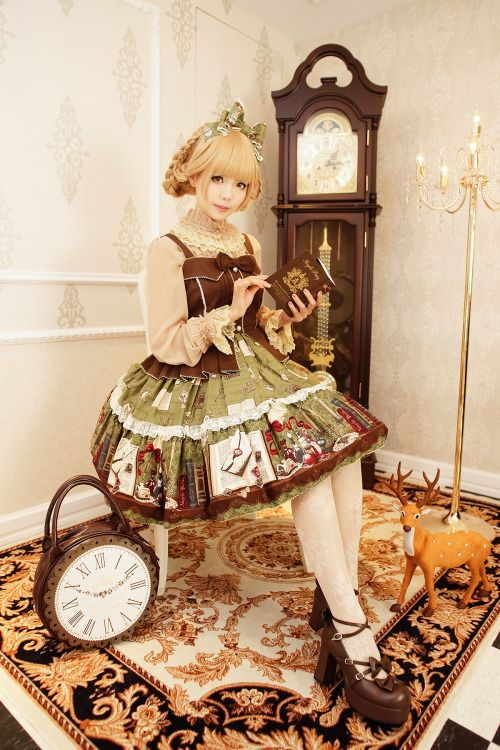 •○~ Classic lolita, ロリータ♥ dress - tights - shoes - heels - hair - braids - updo - ribbons - lace - clock shaped purse - decor - deer - cute - elegant - kawaii  - Japanese street fashion✮ ~•○