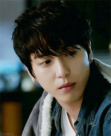 Handsome Jung Yong-Hwa