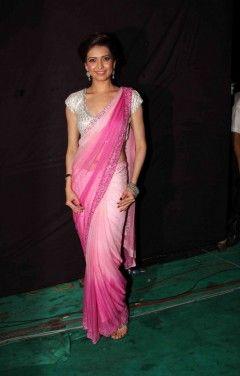 Karishma Tanna pink ombre saree