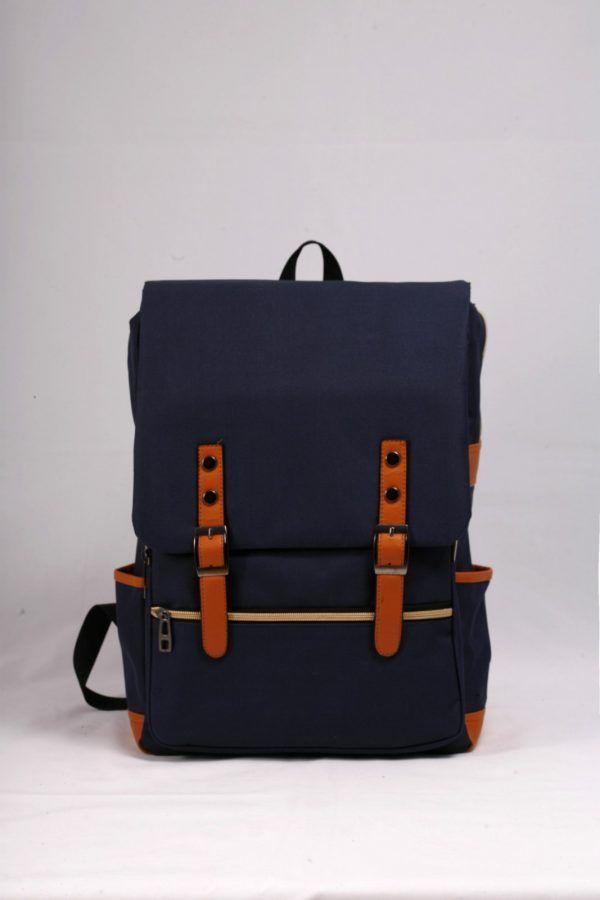 Μεγάλο σακίδιο μπλε σκούρο από ύφασμα και δερματίνη.  Ιδανικό για ταξίδια,  εκδρομές και για μεταφορά τάμπλετ και λάπτοπ.